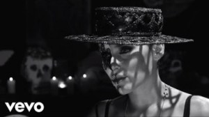 Video: Nelly Furtado - Waiting For The Night
